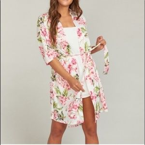 New Show Me Your MuMu Floral Robe